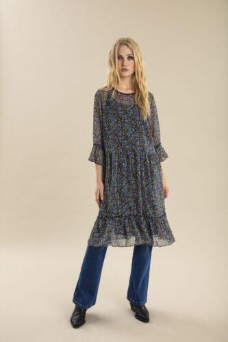 01 Dress 50205195 01 Jeans 50205172