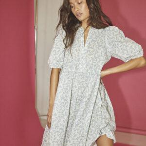 Sisters Point Ewea kjole blad print